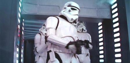 stormtrooper-hits-head_0